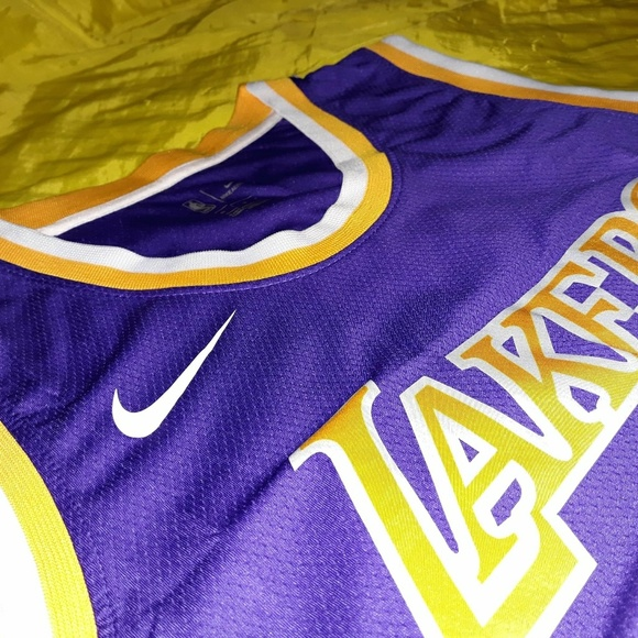 LAKERS  23 LEBRON JAMES PURPLE DRY FITJERSEY. NWT e97861031